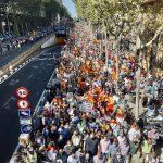 Miles de personas se manifiestan contra el Gobierno por el atraco de la luz